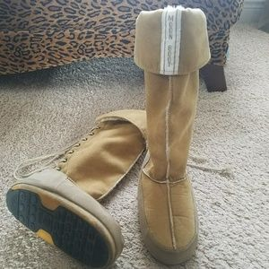 Technica Tan lace up suede Shearling Moon Boots 9